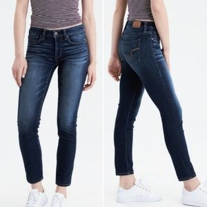 AMERICAN EAGLE Dark Wash Skinny Jeans Size 4